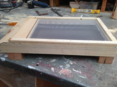 Ventilated bottom board RAW