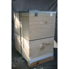 Raw Pine Hive Complete